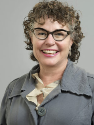 Faculty Headshot for Robin Flagg